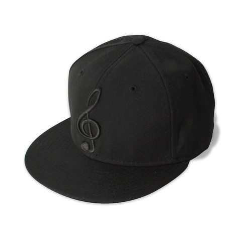 New Era - Black on black note cap