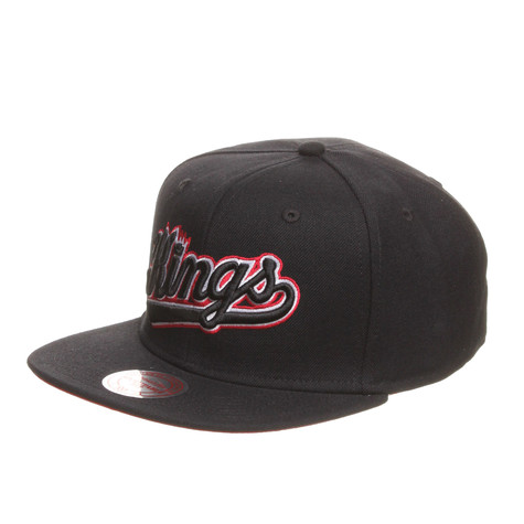 Mitchell & Ness - Sacramento Kings NBA Vintage Black And White Snapback Cap