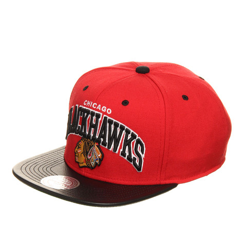 Mitchell & Ness - Chicago Blackhawks NHL Leather Team Arch Snapback Cap