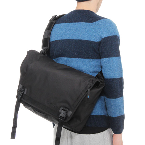 Incase - Range Large Messenger Bag