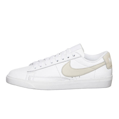 Nike - WMNS Blazer Low LE Basketball