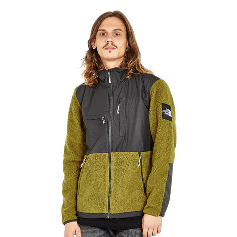 9d86e125589f The North Face - Denali Fleece Jacket (Asphalt Grey   Fir Green)