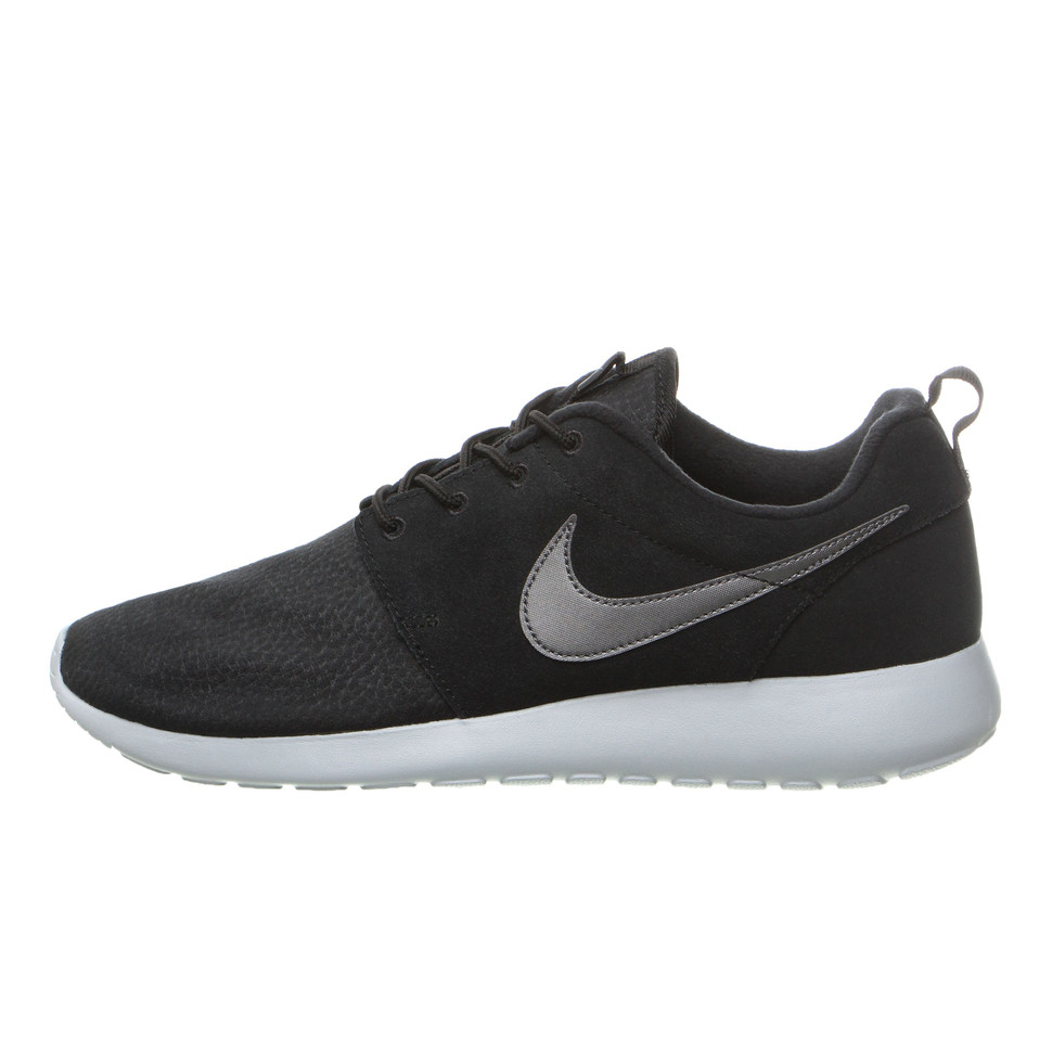 Nike Roshe One Suede shoes grey